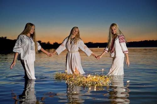 В языческие времена водоемы наделялись божественными свойствами