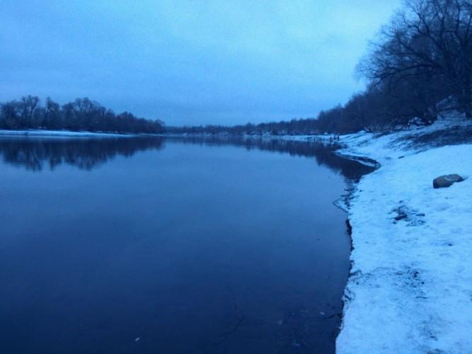 Москва-река встретила тихой водой