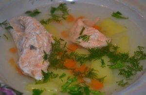 Рецепт: Рецепт ухи из семги (2)