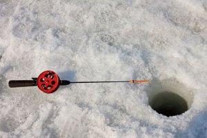 Спасатели Серпухова предупреждают об опасностях зимней рыбалки