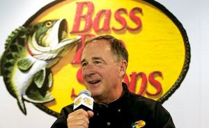 Джон Моррис, основатель Bass Pro Shops  Фото: Chris Graythen/Getty Images for Stewart-Haas Racing/AFP